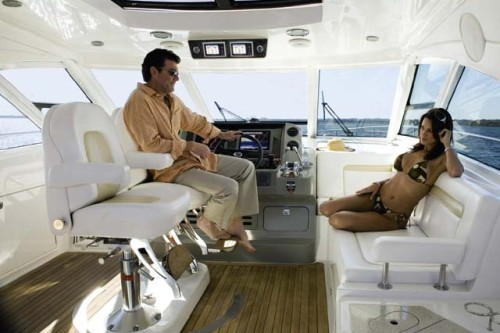 54' Sea Ray Yacht Helm/ Seating Area