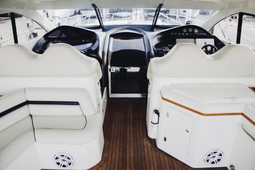 70' Sunseeker Predator Yacht Seating