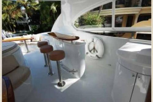 84' Lazzara Yacht Flybridge