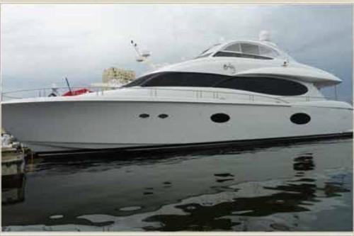 84' Lazzara Yacht Miami Beach Marina