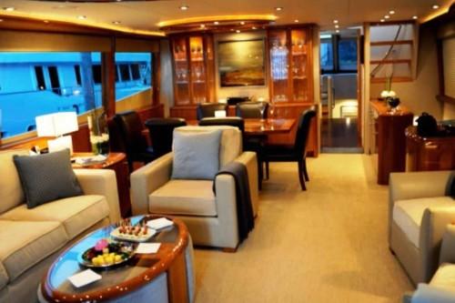 84' Lazzara Yacht Saloon