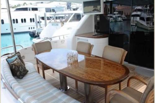 84' Lazzara Yacht Stern Dining Area