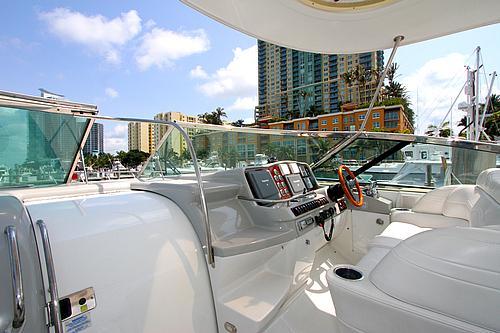 48' Formula Boat Helm