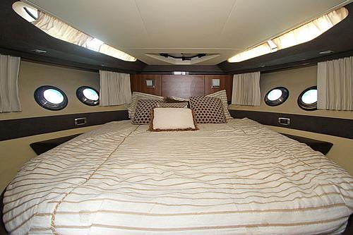 43' Marquis Boat Master Cabin