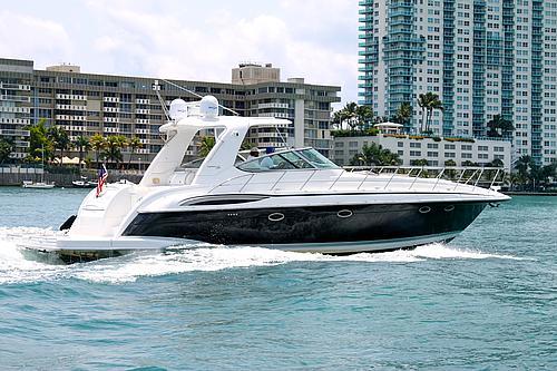 48' Formula Boat Coasting the Waters
