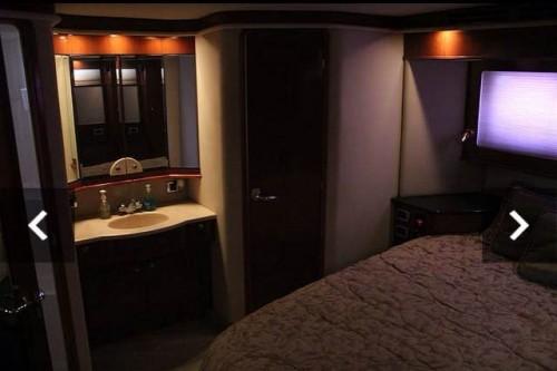 50 Sea Ray Miami Boat Rental VIP Stateroom