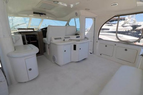50 Sea Ray Miami Boat Charter Seating