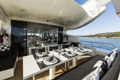 106 Leopard Yacht Charter Outdoor Dinning