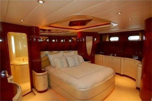 76 Horizon Miami Yacht Charter Master Stateroom 2