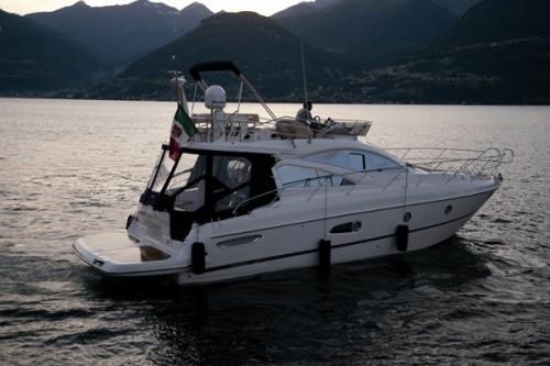 43' Cranchi Boat Exterior