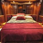80' Azimut Yacht VIP Stateroom