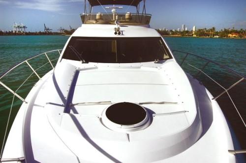50' Azimut Yacht Bow