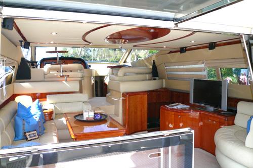 59' Ferreti Yacht Interior