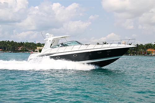 48' Formula Boat At Sea