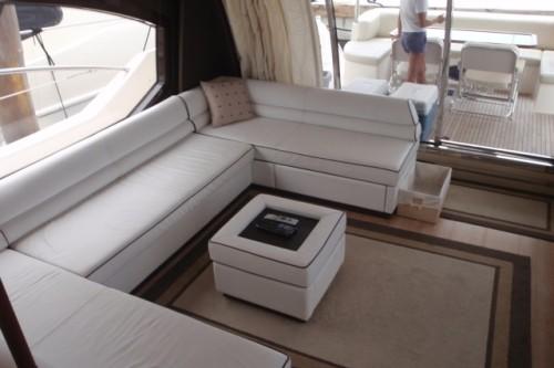 70' Azimut Yacht Saloon