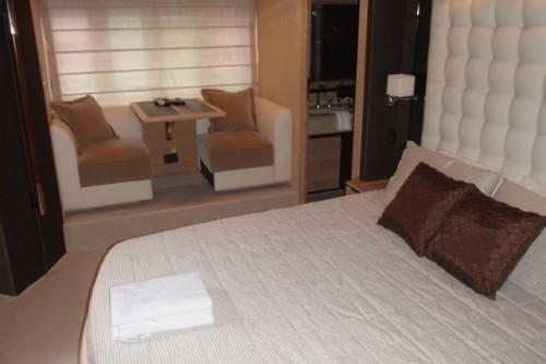 70' Azimut Yacht Master Suite