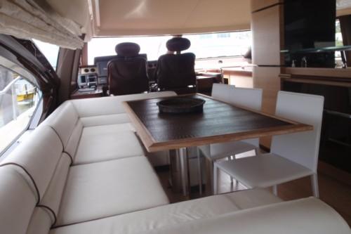 70' Azimut Yacht Dinning Area