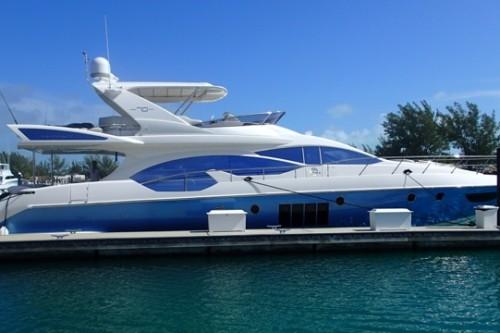 70' Azimut Yacht Dockside