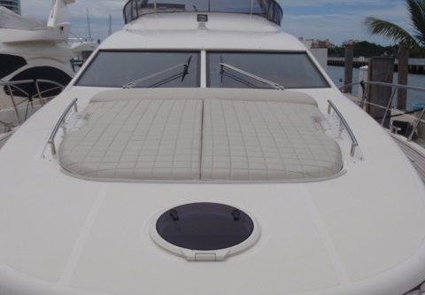 70' Azimut Yacht Bow