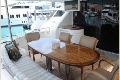 84' Lazzara Yacht Stern Dining Area
