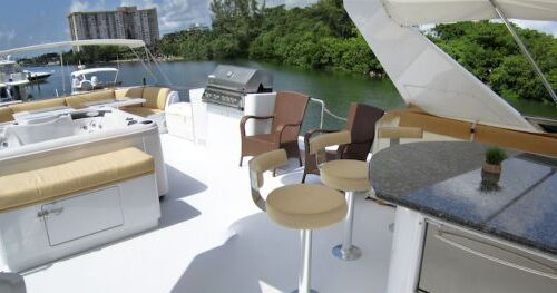 95' Elegance Yacht Flybridge