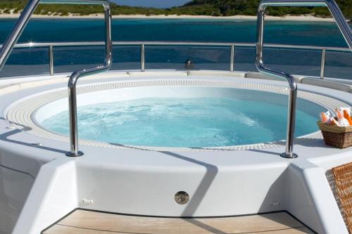 147' Feadship Yacht Hot Tub