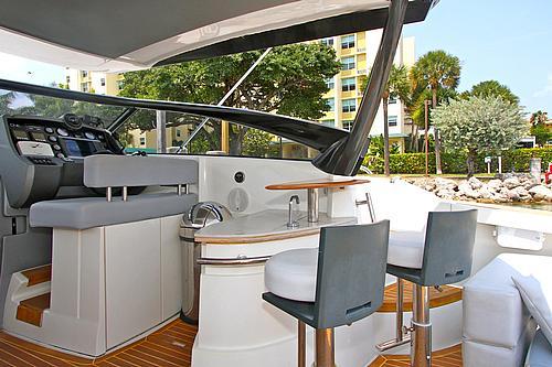 43' Baia Boat Helm