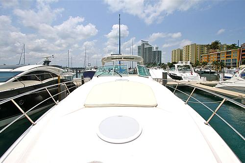 46' Cruisers Boat Bow
