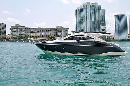 43' Marquis Boat Cruising Miami Beach