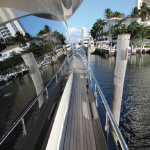 84' Azimut Yacht Starbord