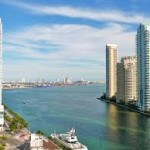 Miami River & Brickel Yacht Cruise