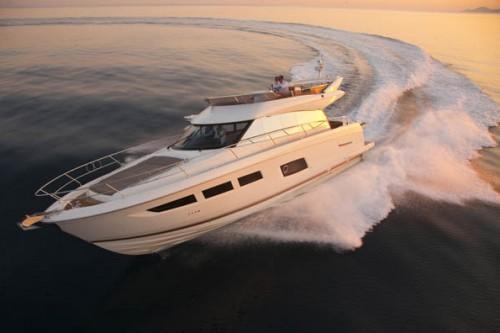 55 Prestige Yacht Charter