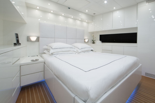 106 Leopard Yacht Charter VIP Stateroom