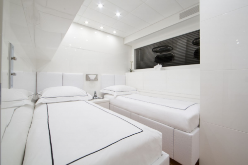 106 Leopard Yacht Charter Guestroom 2