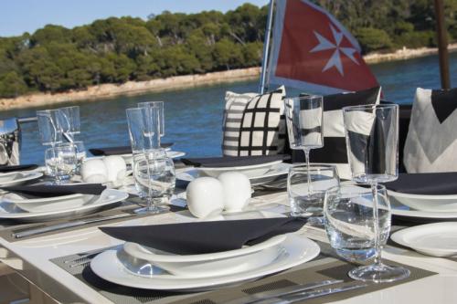 106 Leopard Yacht Charter Bon Appetite