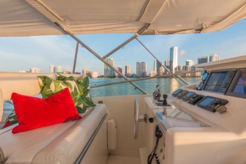 94 Ferretti Miami Yacht Charter Flybridge Helm