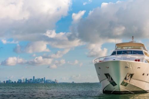 94 Ferretti Miami Yacht Charter Starbord Exterior