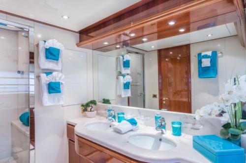 94 Ferretti Miami Yacht Charter VIP Head