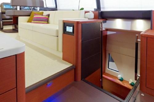 55 Prestige Yacht Rental Interior