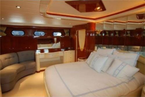 76 Horizon Miami Yacht Charter Master Stateroom